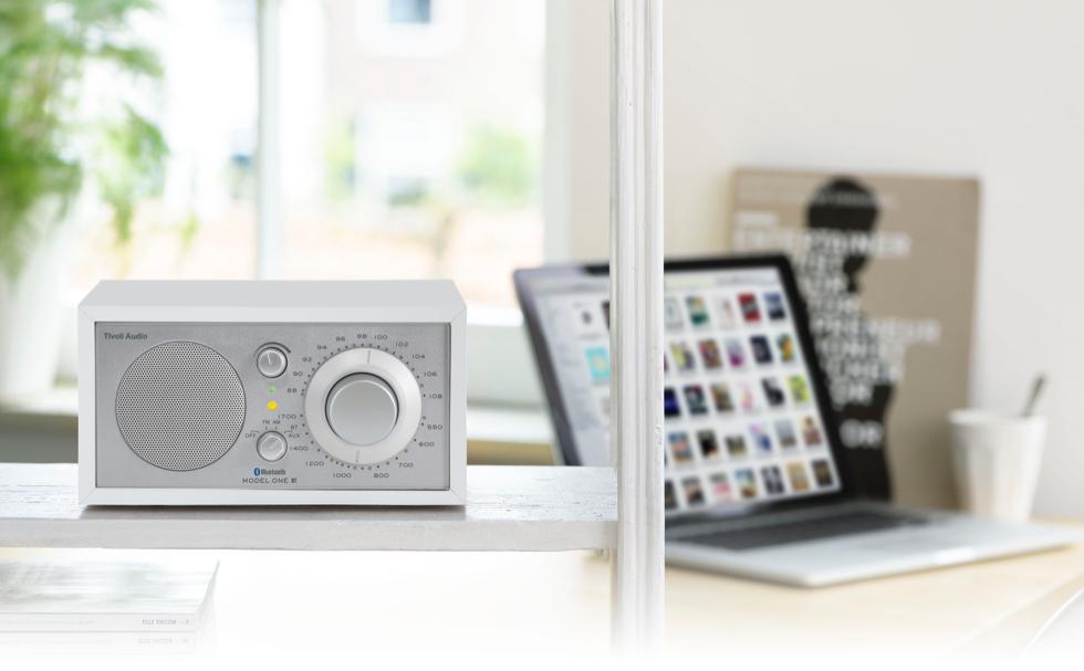 レトロモダンなラジオ・スピーカー Tivoli Audio MODEL ONE BT ©  Tivoli Audio
