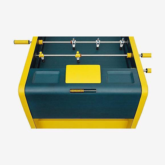 エルメス製のフットボール(サッカー)テーブル。お値段68,300ドル © Hermes