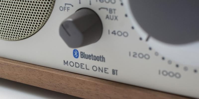 レトロモダンなラジオ・スピーカー Tivoli Audio MODEL ONE BT